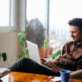 Devenir freelance ou rester employé de bureau: que choisir?